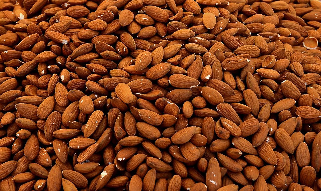 Quemar grasa abdominal con almendras